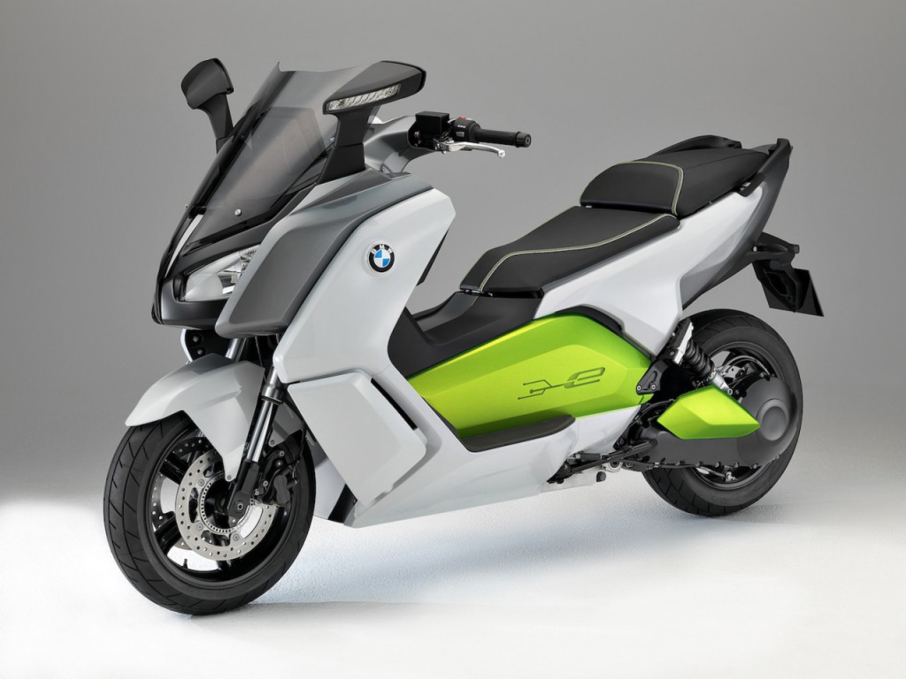 BMW C-Evolution electric scooter front view
